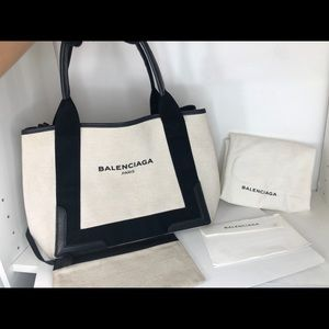BALENCIAGA Navy Cabas in beige with Pouch